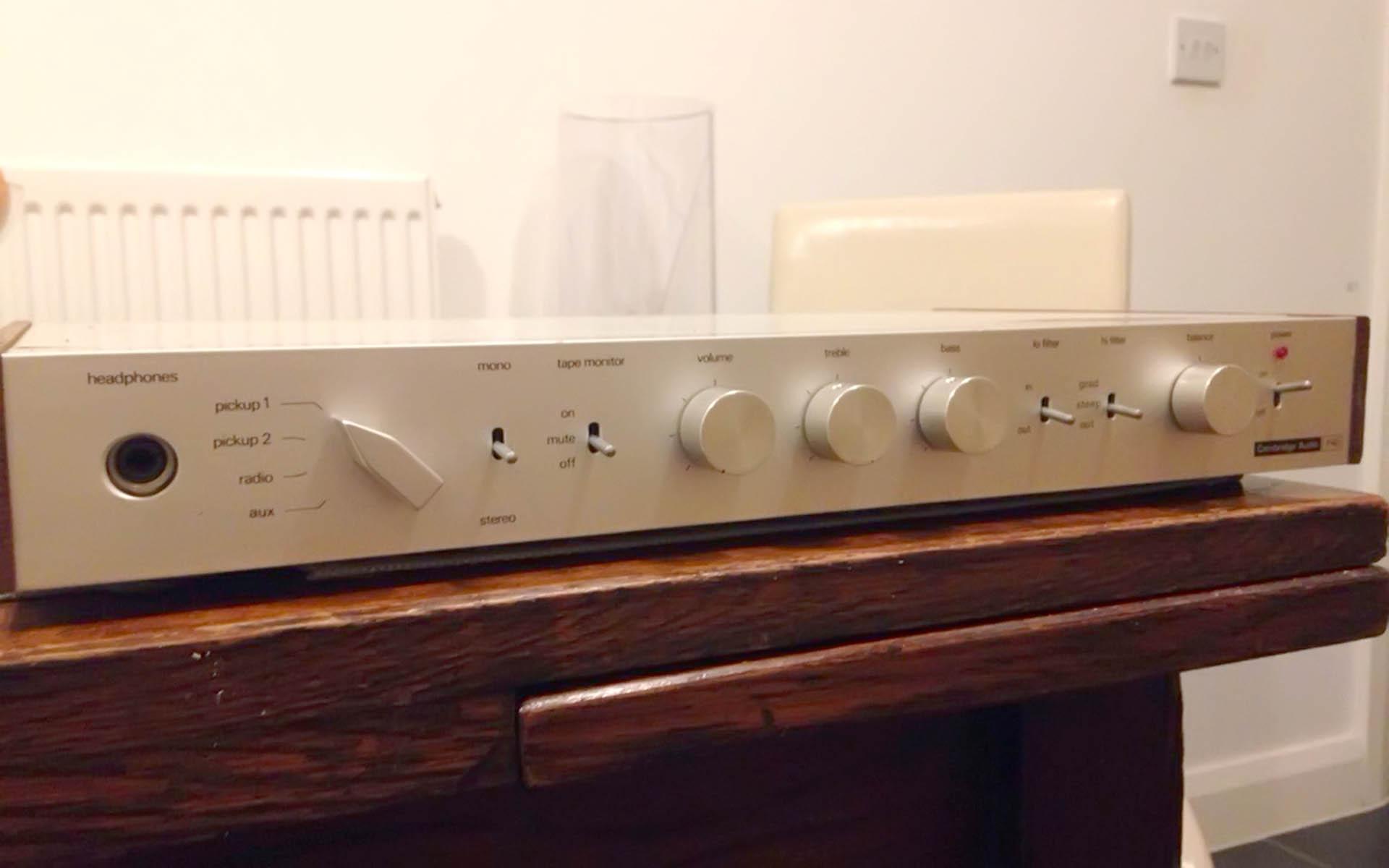 Интегральный усилитель Cambridge Audio P40