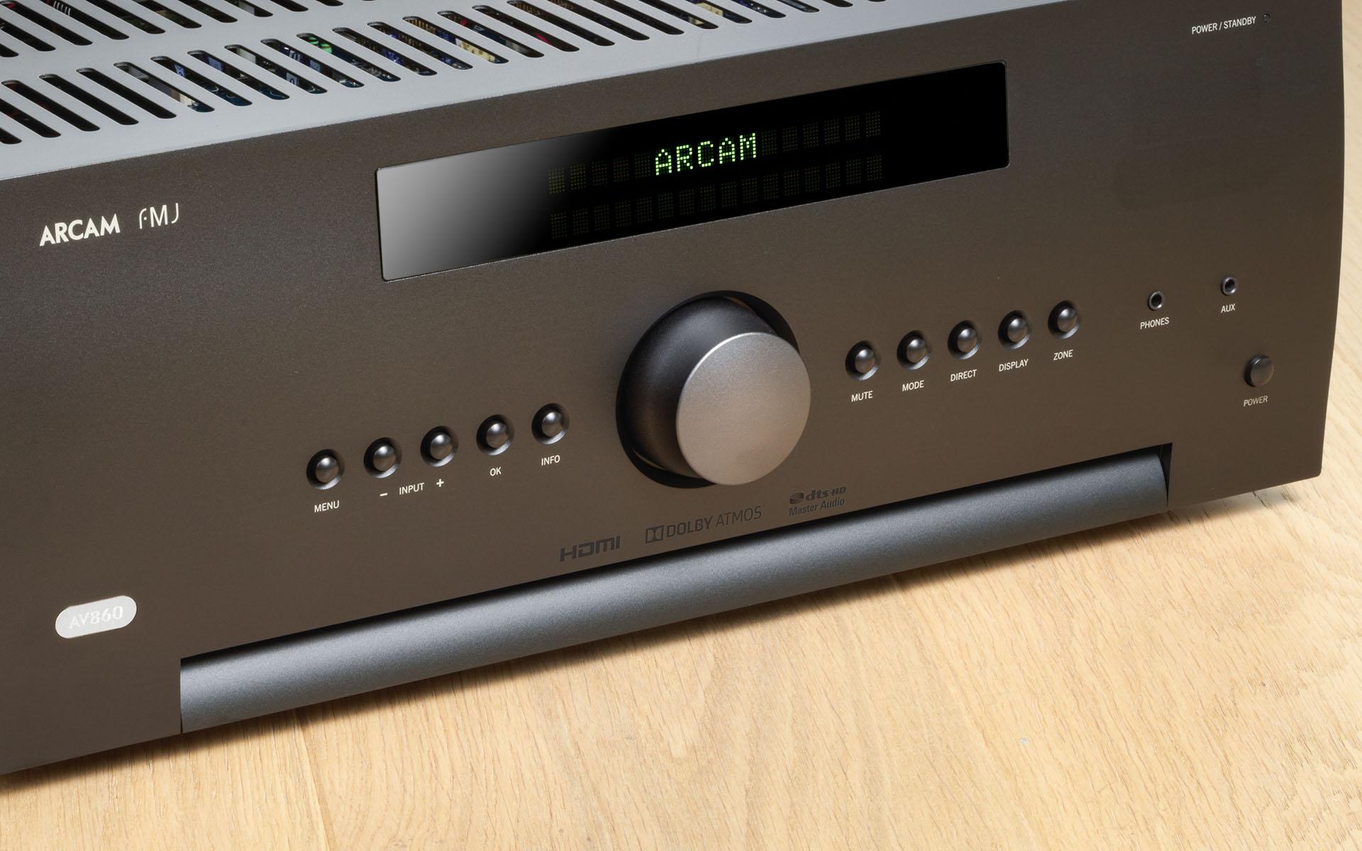 Процессор Arcam AV860 уверенно обрабатывает как Dolby Atmos, так и DTS:X, демонстрируя при этом звучание аудиофильского качества