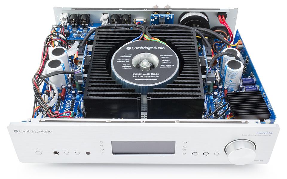 Интегральный усилитель Cambridge Audio 851A