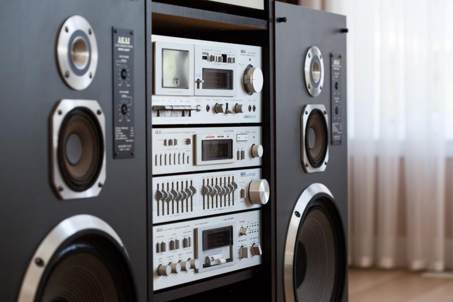 Стойка Hi-Fi-оборудования легендарной марки AKAI