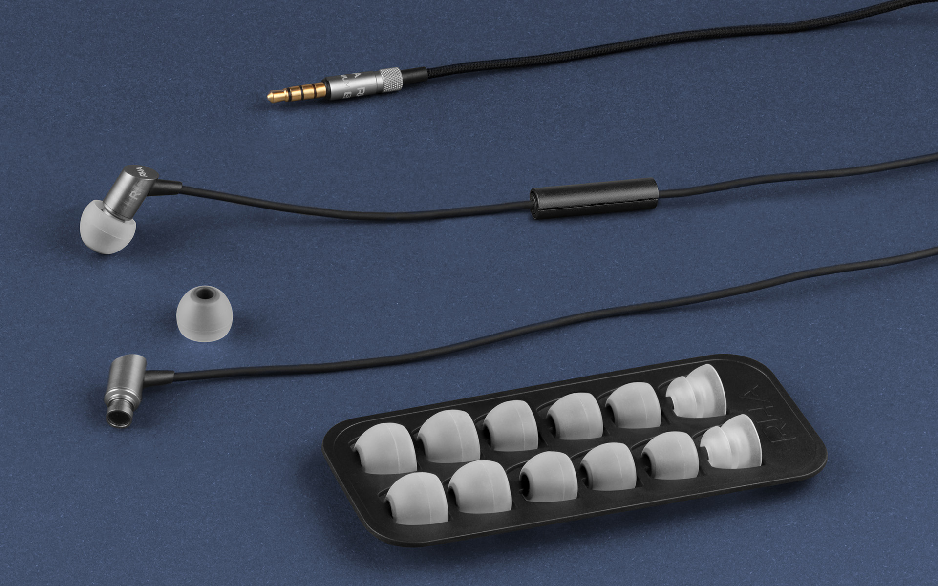 В конструкции RHA S500 Universal используется прекрасно себя зарекомендовавший динамик модели 140.1