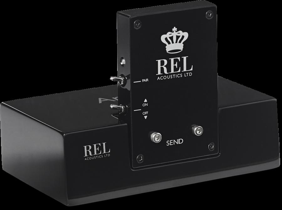 Чтобы облегчить коммутацию сразу пары аппаратов, REL разработал модуль беспроводного подключения Arrow.