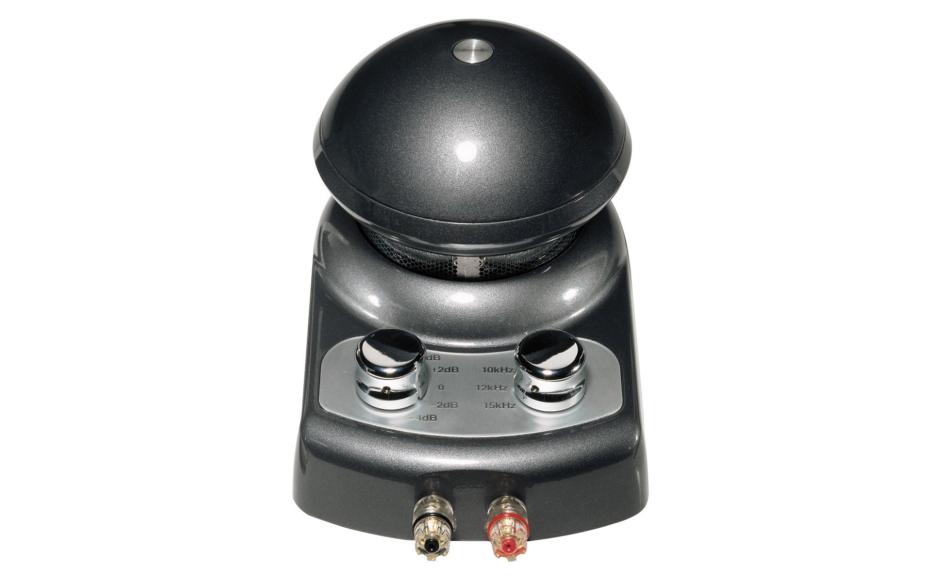 На корпусе ELAC 4Pi Plus.2 удобно расположены ручки регулировки и массивные акустические клеммы