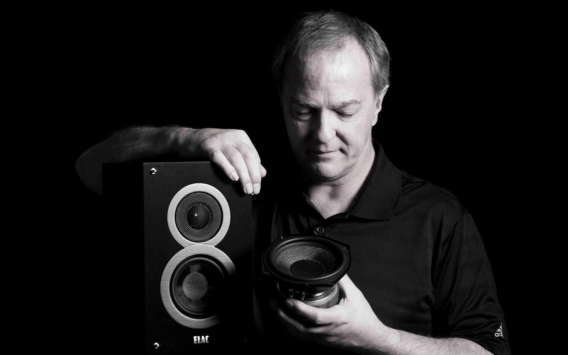 Эндрю Джонс – разработчик акустических систем серии Debut