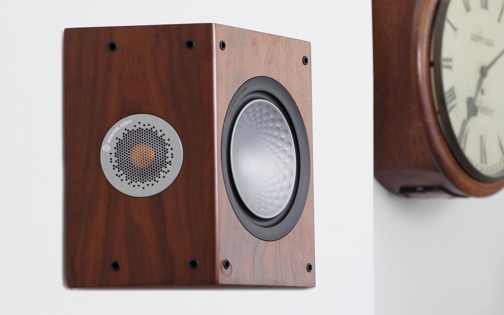 Monitor Audio Silver FX с особым блеском сыграет роль колонки тыловых или боковых каналов