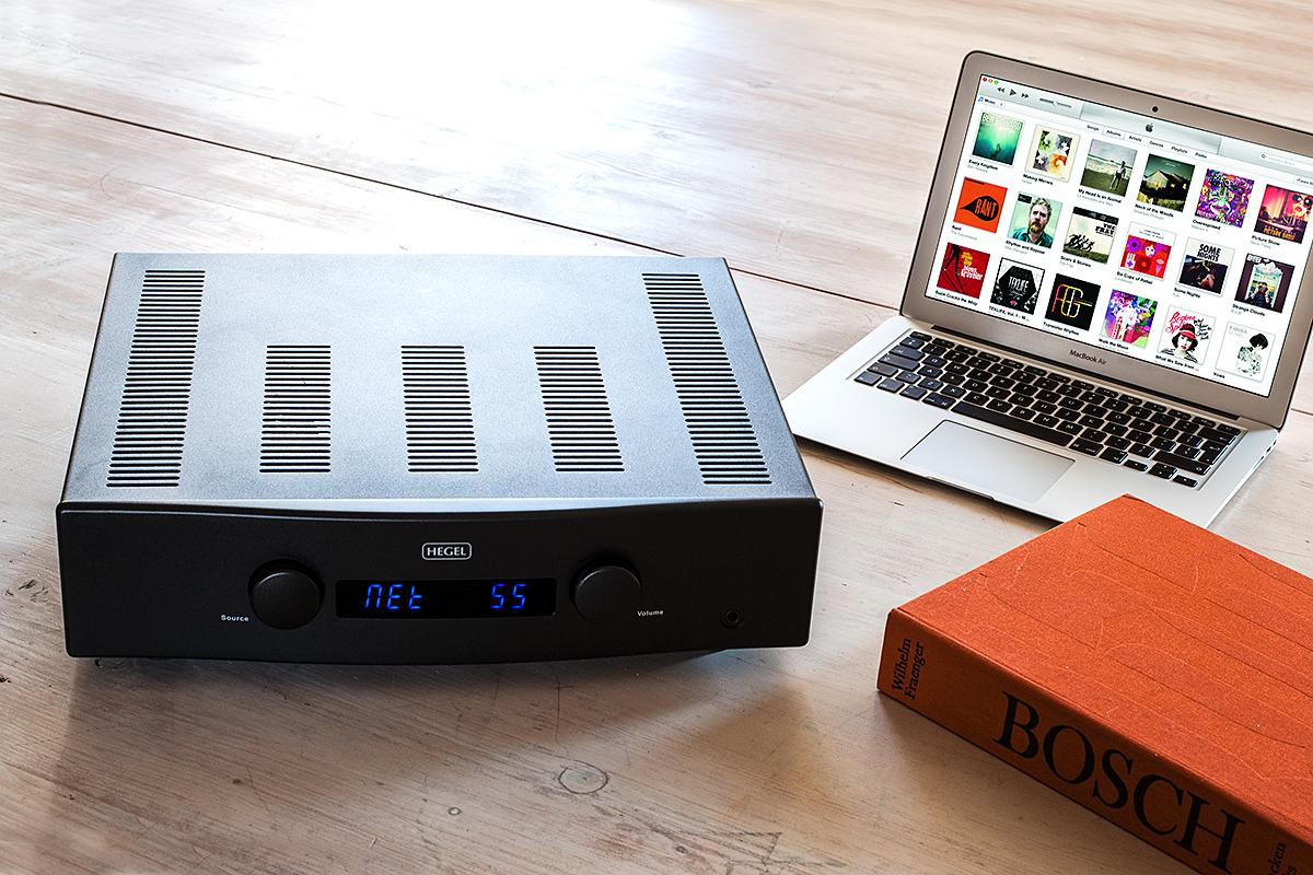 Цифровой формат музыкальных записей позволяет получить их из удалённого хранилища «здесь и сейчас»
