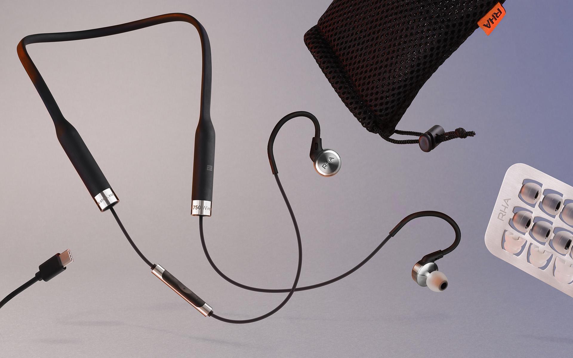 Комплект поставки RHA MA750 Wireless включает восемь пар сменных амбушюр разного размера