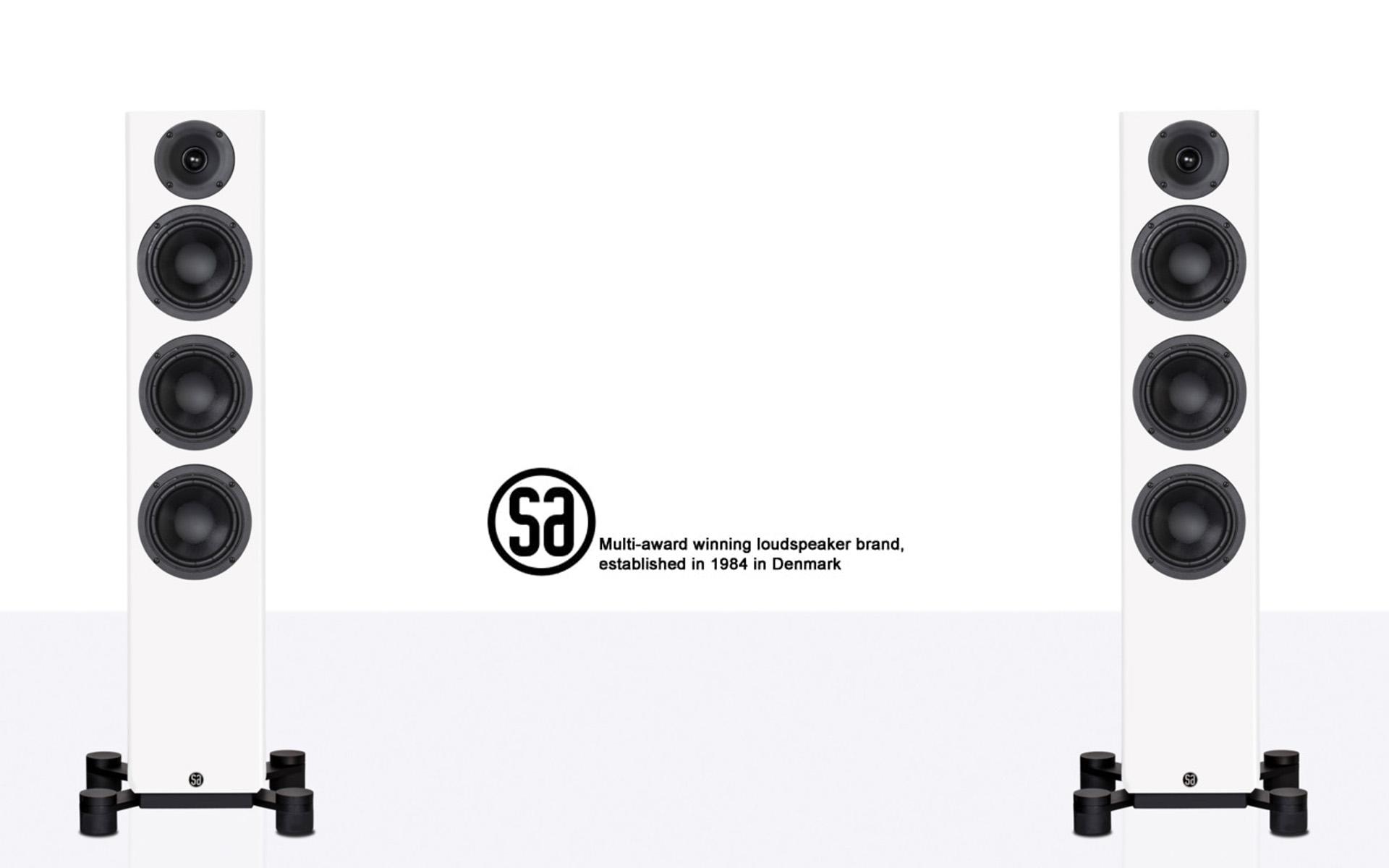 Флагманская модель серии SA legend поставляется в чёрной или белой матовой отделке