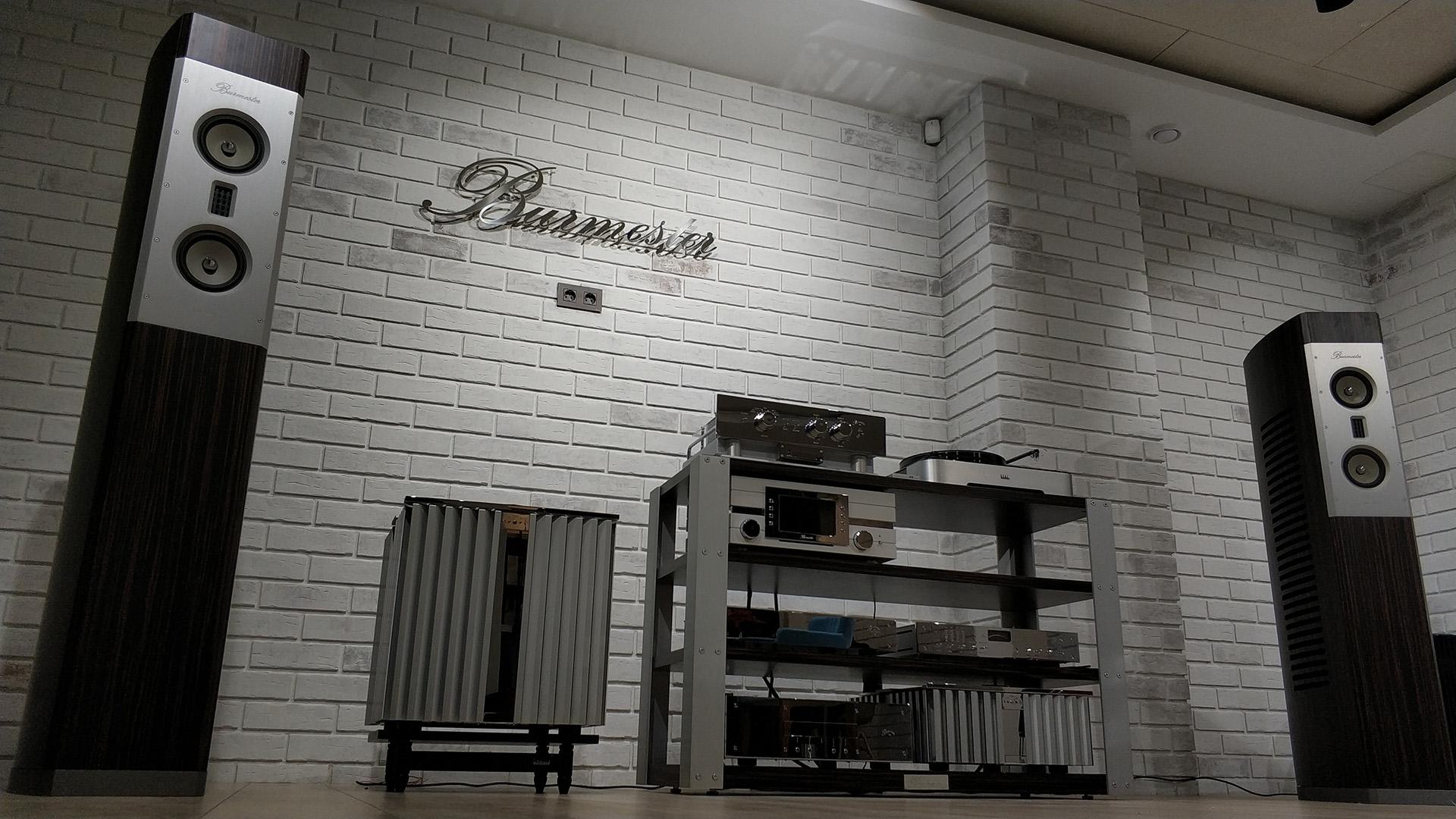 Новое «лицо» фирменного салона Burmester в Москве