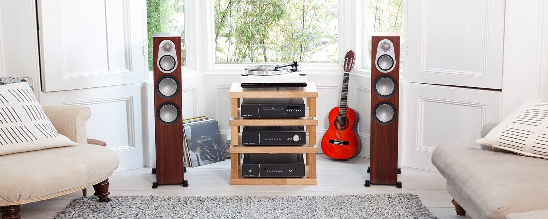 Стереосистема с мощными напольниками Monitor Audio Silver 500 «раскачает» любую вечеринку!