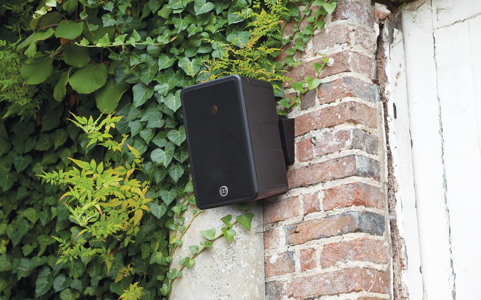 Рекомендации от Monitor Audio: как создать в саду полноценную музыкальную систему?