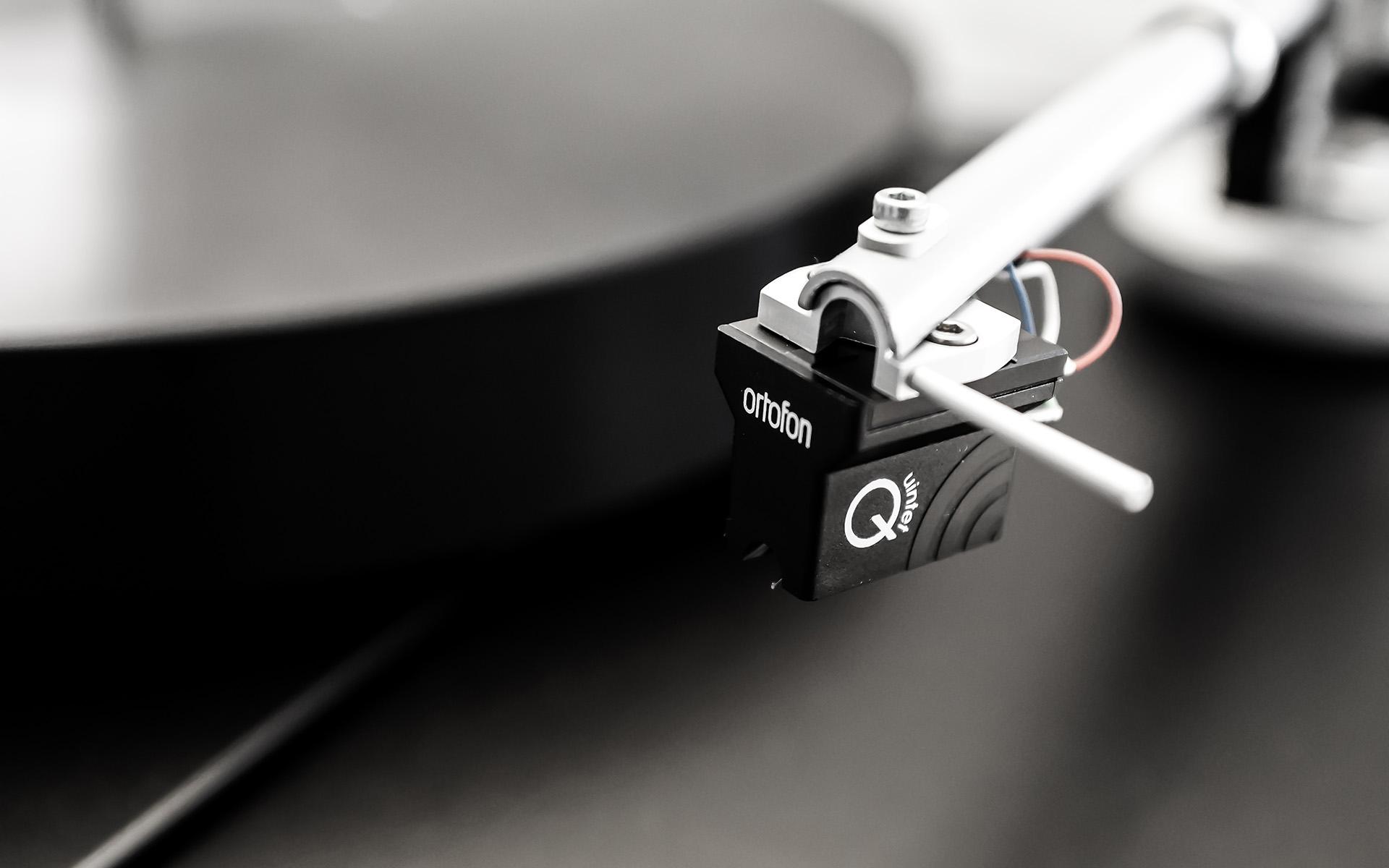 В России стартуют продажи проигрывателей виниловых дисков PERPETUUM EBNER