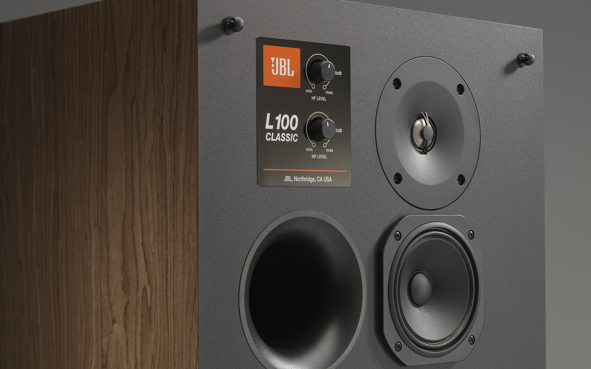 Нестареющая акустическая классика от JBL заставила расчувствоваться обозревателя портала StereoNET