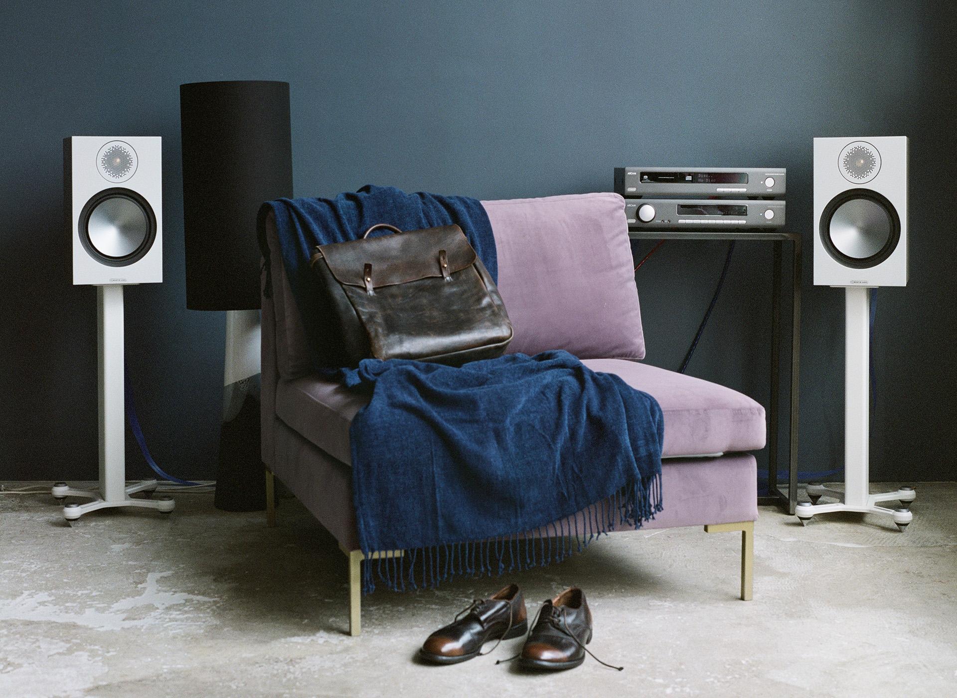 Лучший в мире бюджетный полочник – Monitor Audio Bronze 100