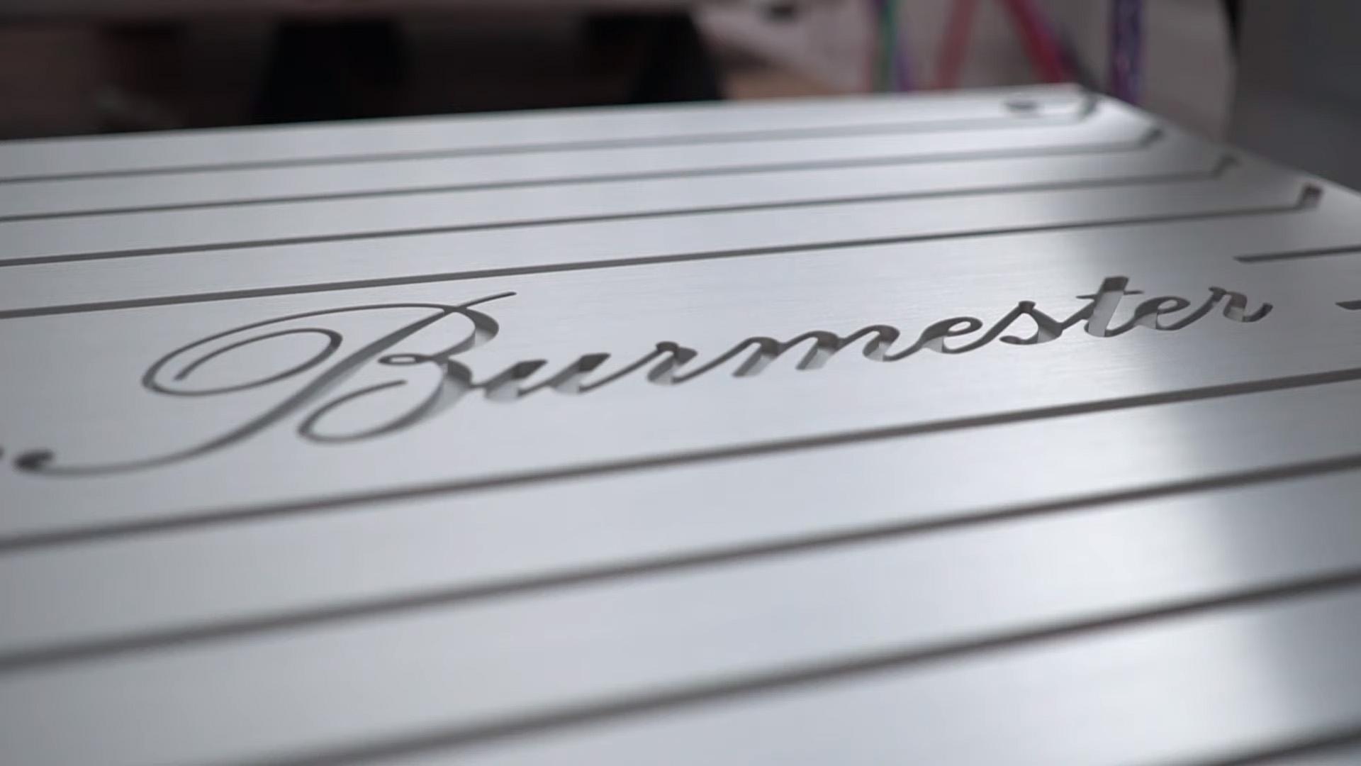 Лютый High End: Михаил Борзенков слушает систему Burmester за 44 миллиона