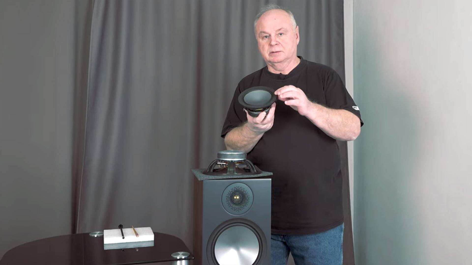 Посмотеть, что внутри: видеоблог Hi-Fi Energy разбирает Monitor Audio Bronze 100