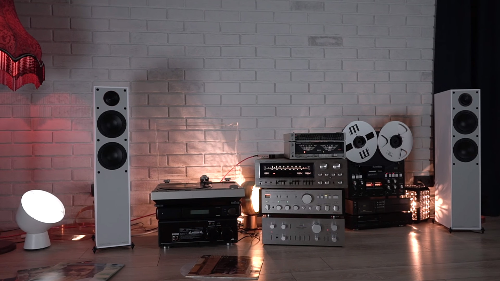 Borzenkov нашёл лучшее применение колонкам Monitor Audio Monitor 200 Black Edition