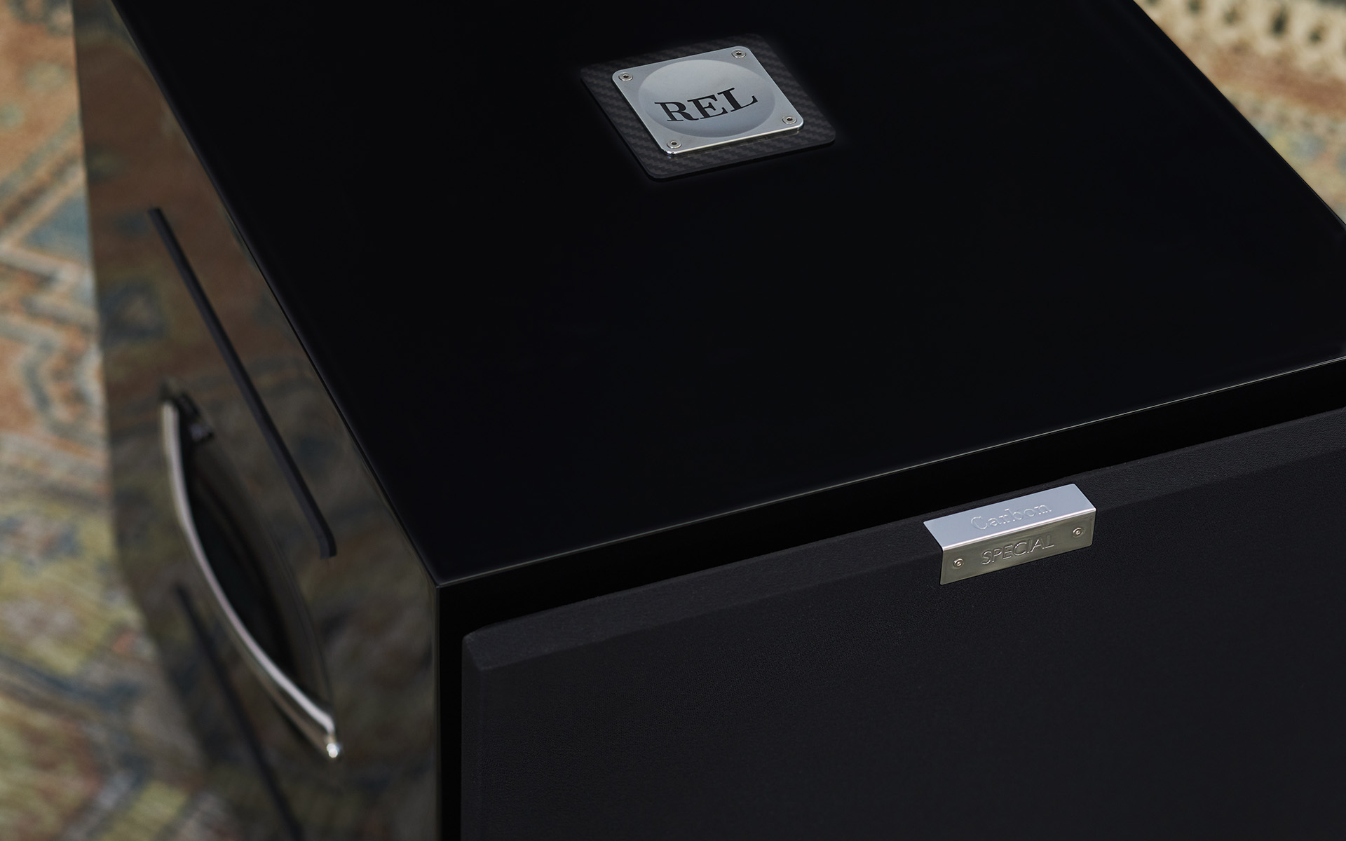Сабвуфер REL Carbon Special приятно удивил редактора Hi-Fi+