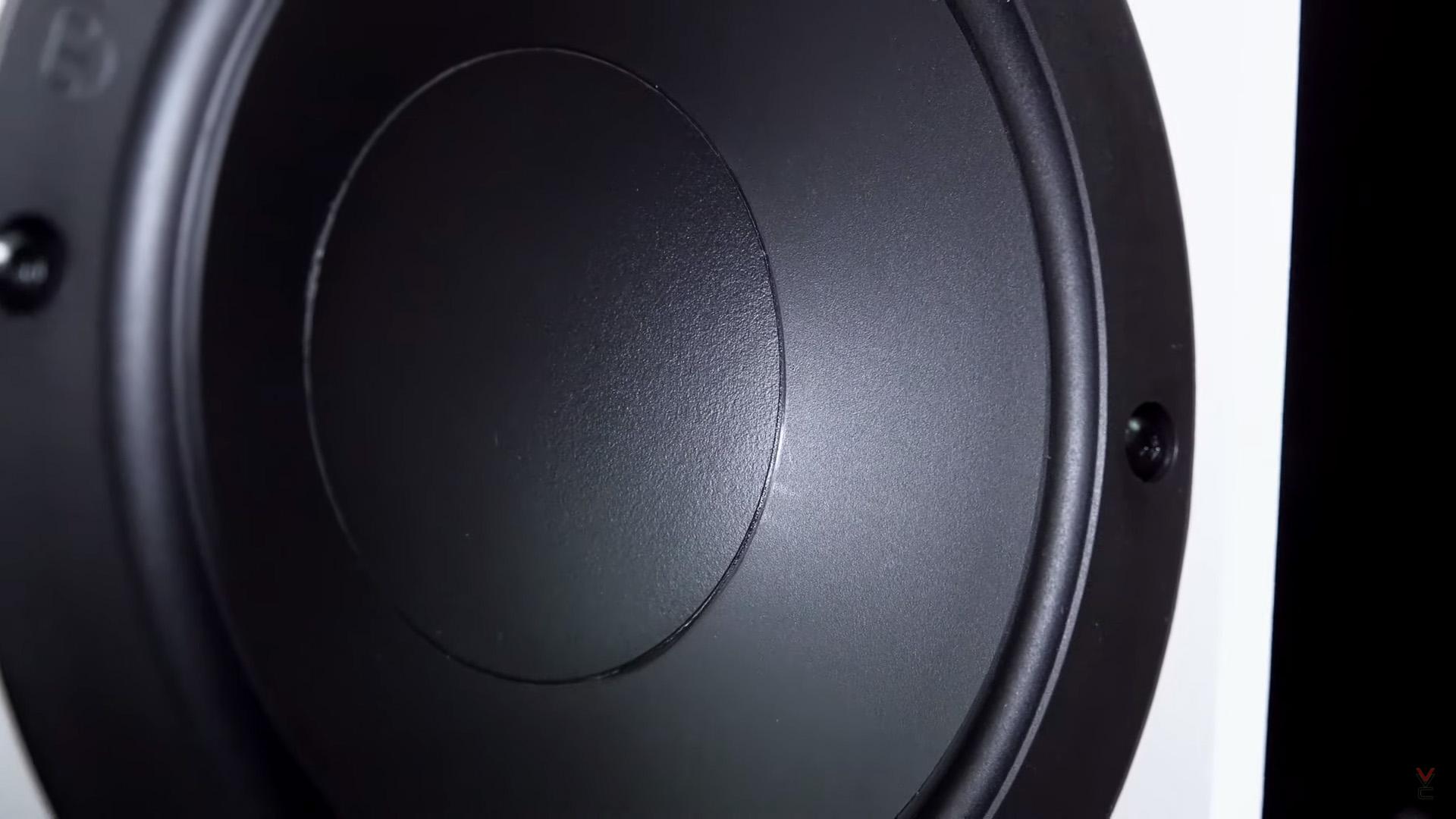 Monitor Audio Monitor 200 Black Edition: британские компактные напольники за 39 000 рублей