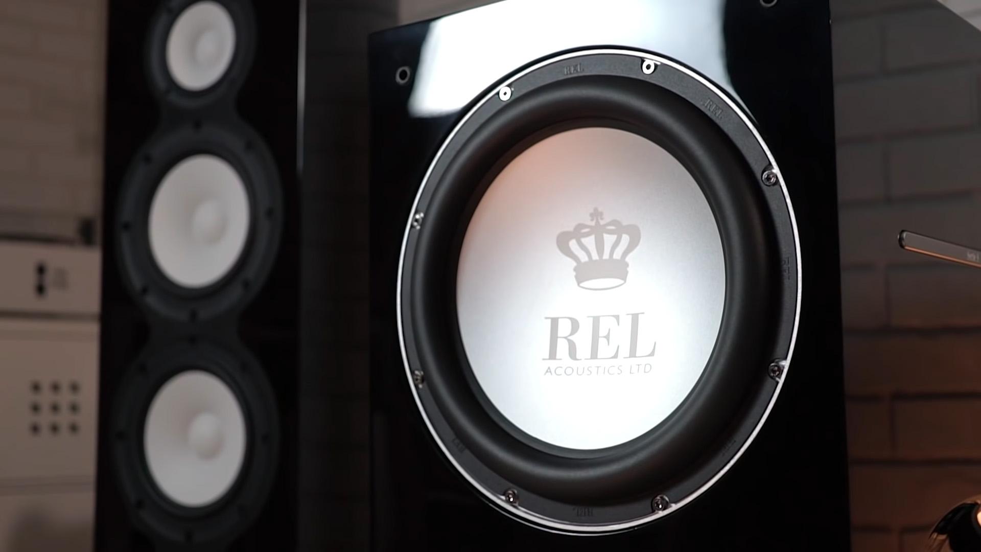 Машина аудиофильского террора: необычный сабвуфер REL